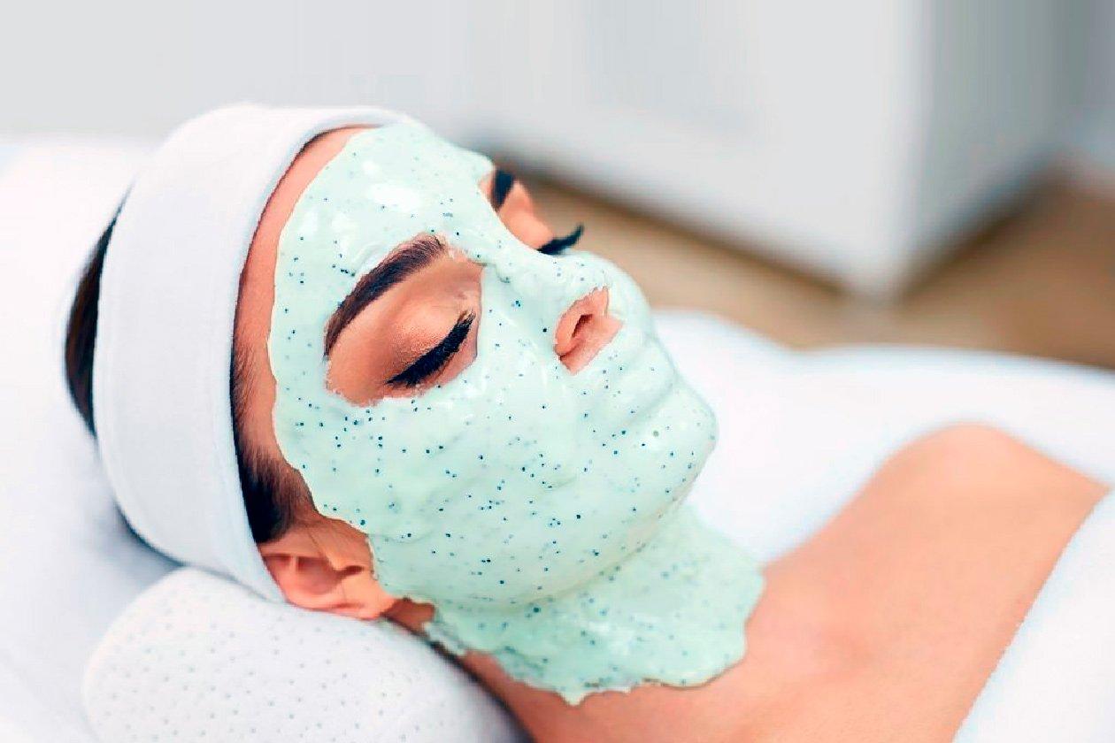 Альгинатные маски для лица: рецепты и правила нанесения